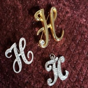 "Jewelry - 💍""H"" Bundle💍Brooches and pendant"